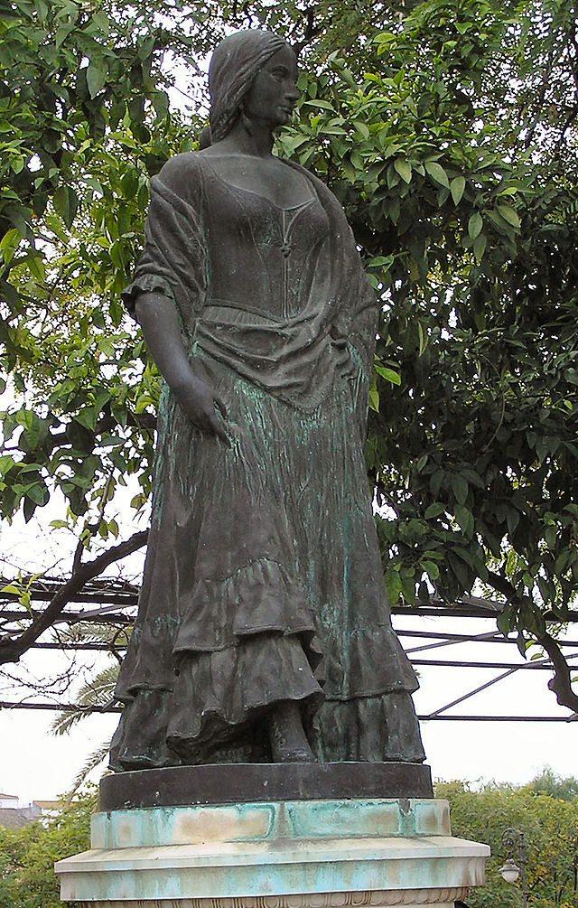 HRT estatua carmen