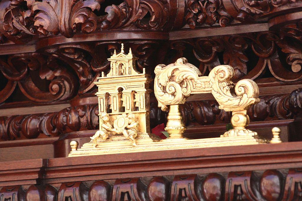 Llamador de los pasos de Semana Santa en Sevilla