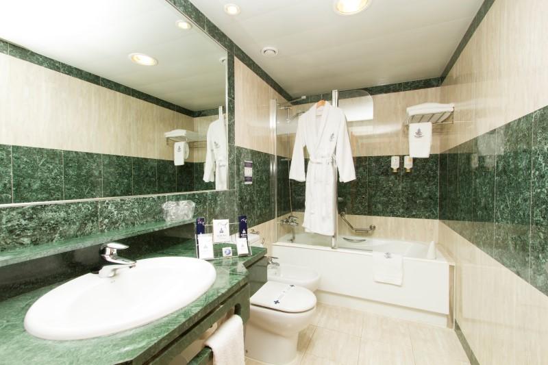 Baño  Ejecutiva y Suite (Custom)
