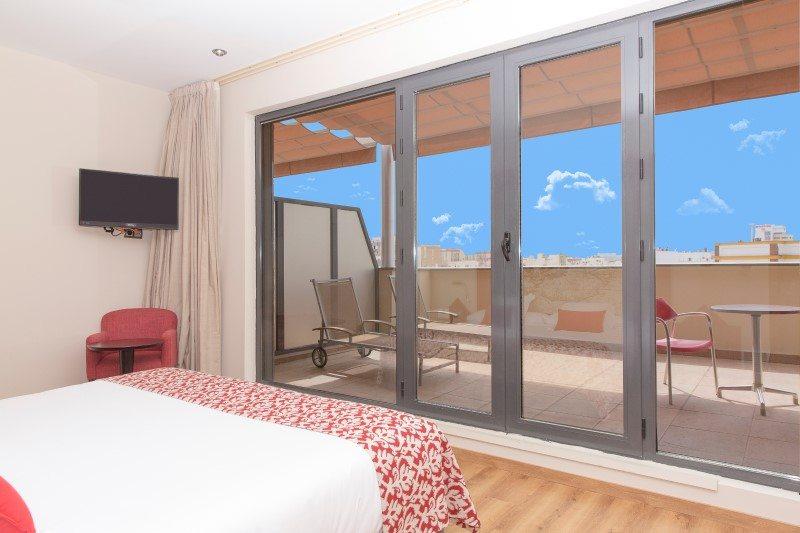 Habitación Superior Con Terraza Hotel Ribera De Triana
